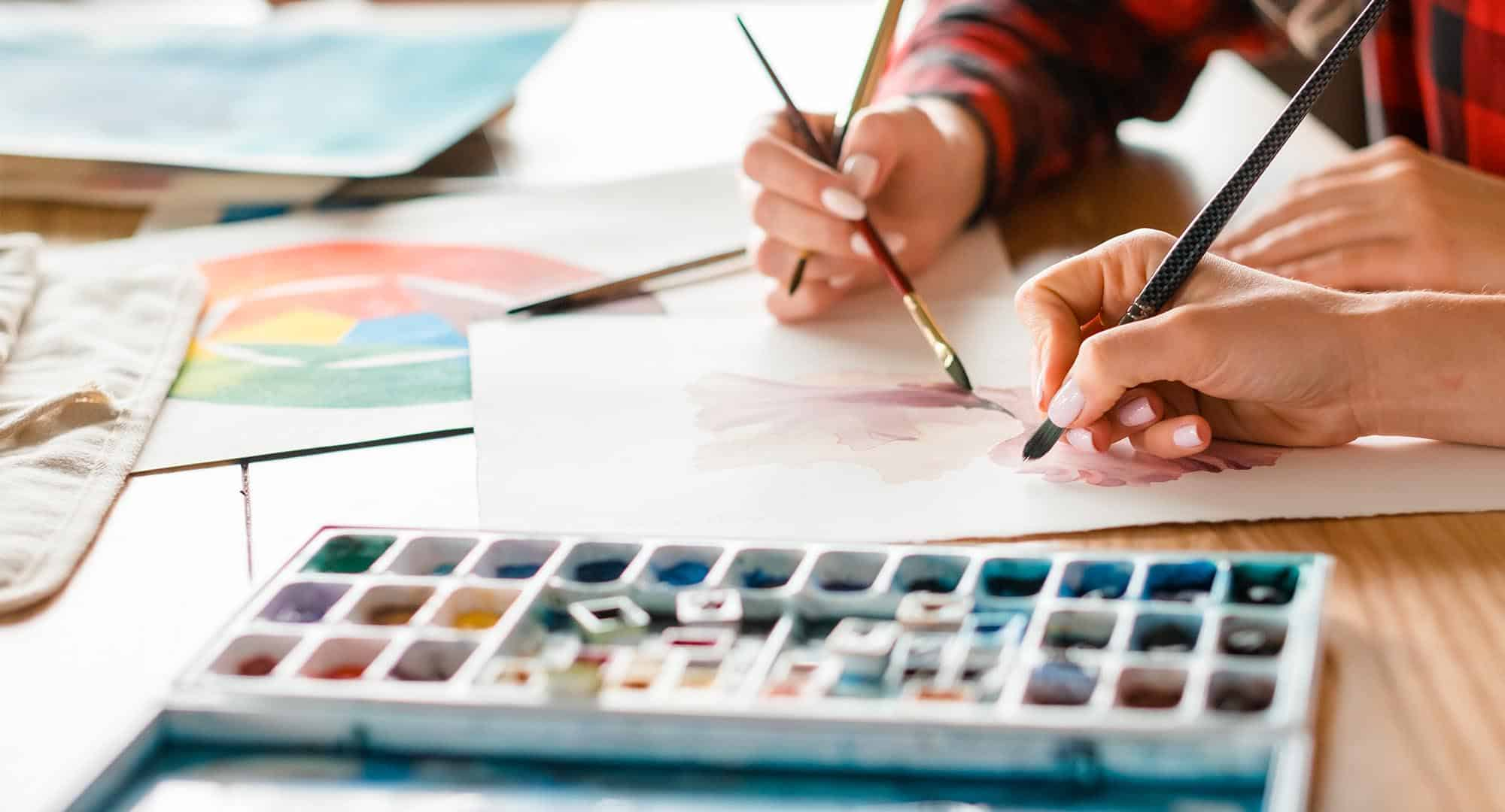 The role of Art Therapy on health and well-being